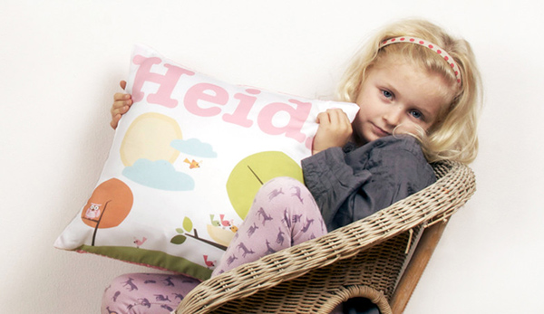 heidi-and-luca-cushion
