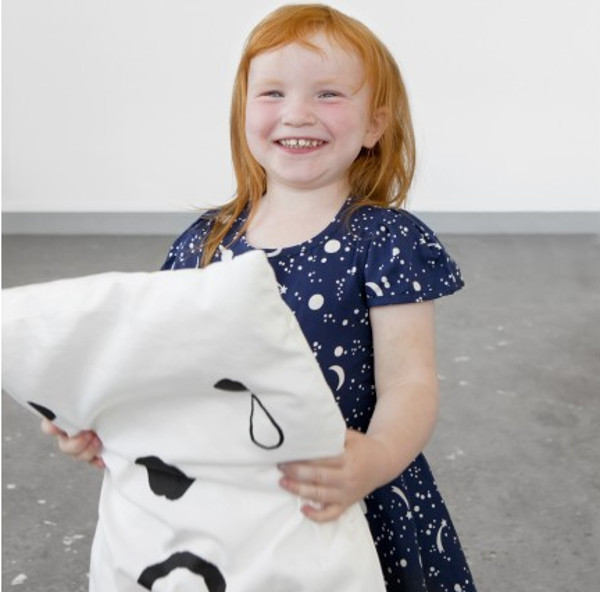 happysadpillow1 Let children express themselves with the Happy/Sad Pillowcase