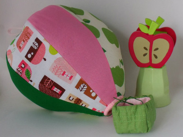 Egg and Nest Etsy hot air balloon mobiles