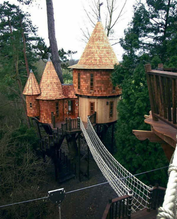 Luxury Tree Houses Designs: Incredible Treehouses From Around The World