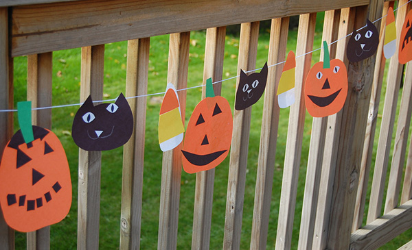 Our top 10 halloween diy witch craft ideas for food fun for Halloween girlande