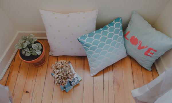 MeninaLisboa Etsy throw cushions