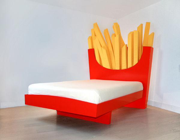 friesbed Want to upsize the kids sleep? Introducing the Supersize Bed!