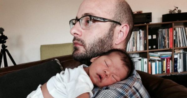 ianarchie fb Dying dads unforgettable gift to newborn son
