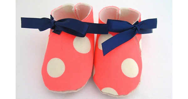 spotted shoe Etsy find of the day   neon spotted baby shoe