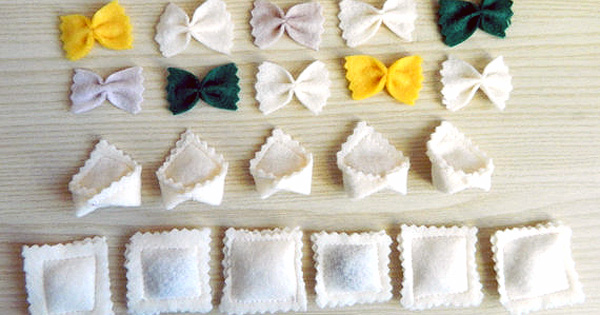 pretend pasta felt play food Etsy find of the day   felt ravioli and bow pasta