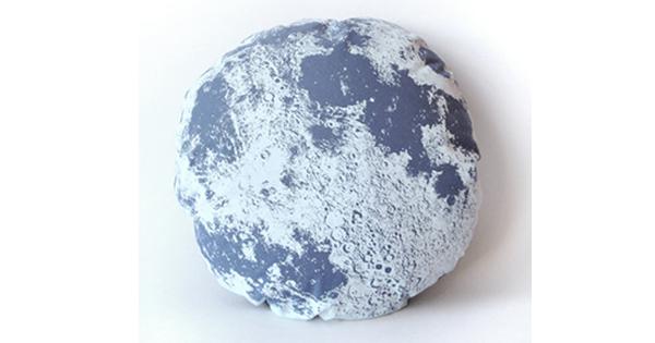 moon-pillow