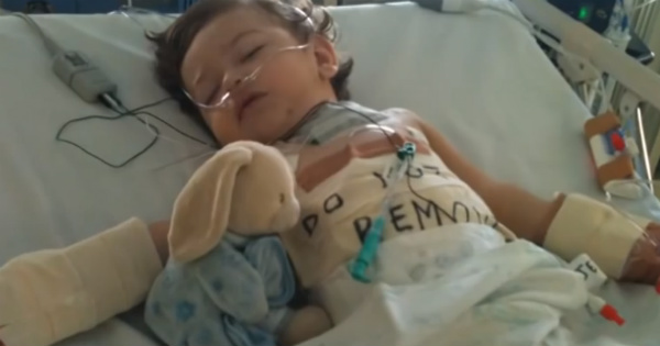 baby Hunter in hospital after swallowing a button battery