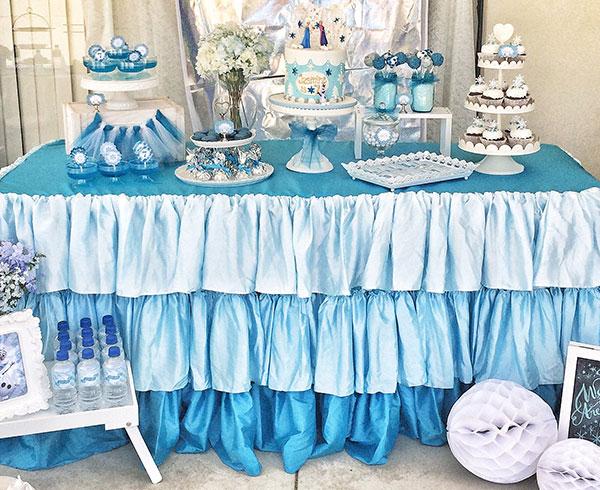 Frozen-dessrt-table