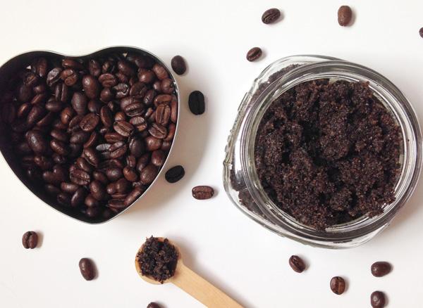 Mother's-Day-DIY-Vanilla-Coffee-Sugar-Scrub