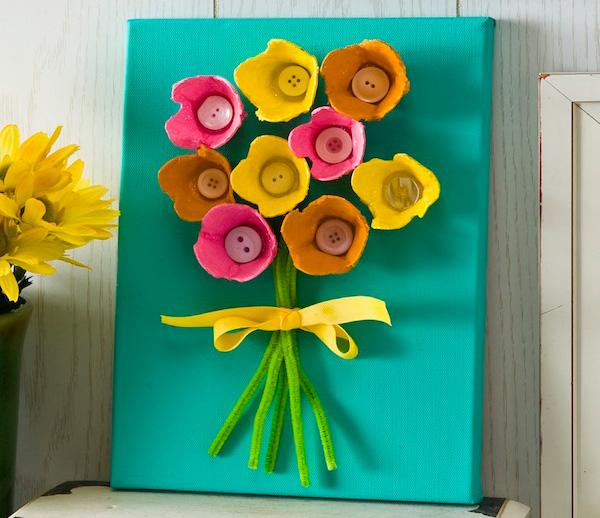 Mother's-Day-DIY-egg-carton-canvas
