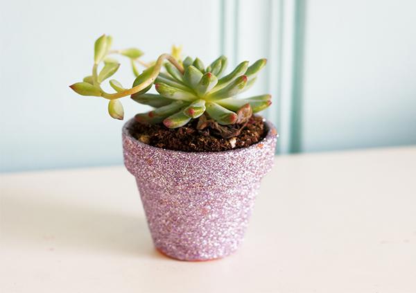 Mother's Day DIY glitter-pot