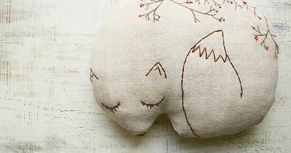 fox-pillow