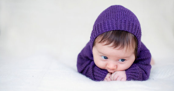 shnop-shnop-hooded-baby-sweater