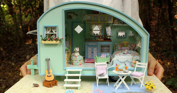 Etsy Find Of The Day Diy Caravan Doll House