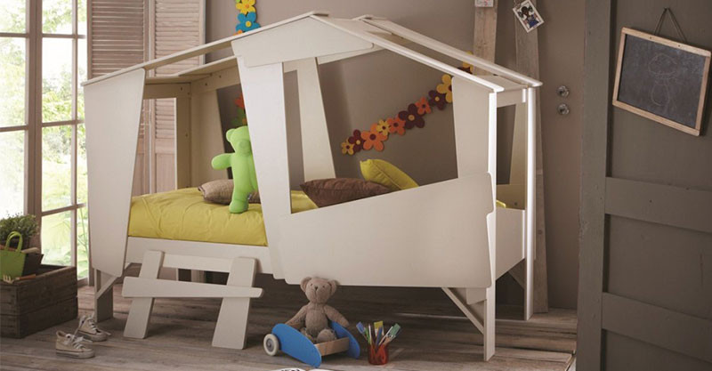 lit cabane the children 39 s bed that doubles as a cubby hut. Black Bedroom Furniture Sets. Home Design Ideas