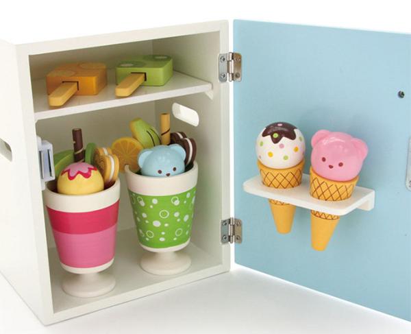 Petite-Jolie-ice-cream-freezer