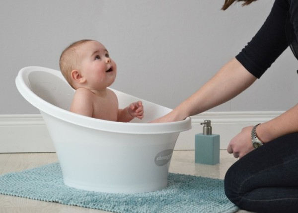 the new shnuggle bath comfort for bub and reassurance for parents. Black Bedroom Furniture Sets. Home Design Ideas