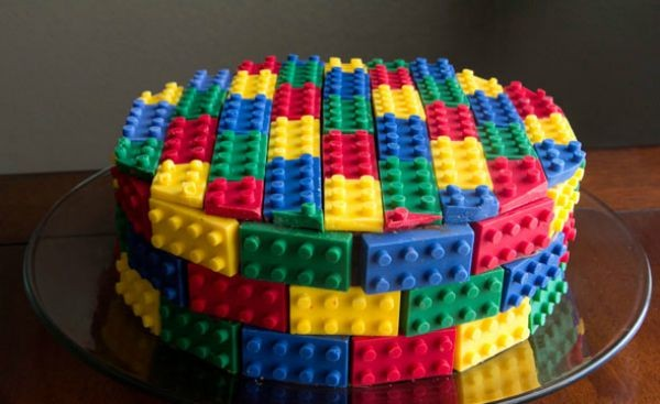The Ultimate Lego Party Round Up