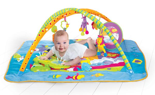 Baby-Shower-Tiny-Love-kick-and-play