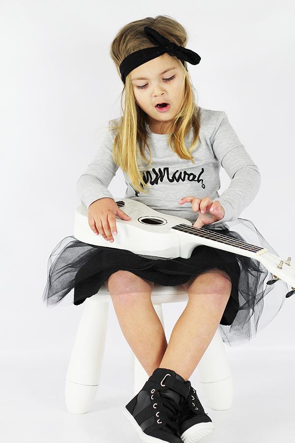 Oovy tutu girl guitar