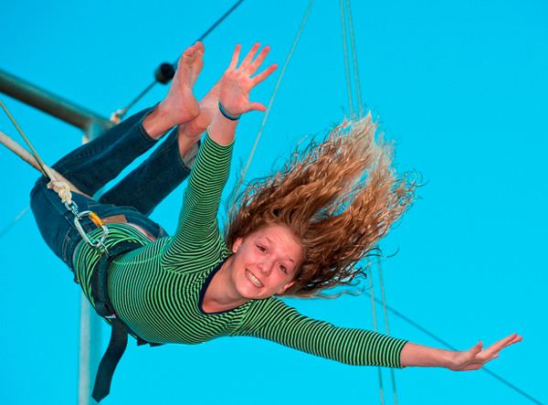 Flying trapeze Girl_300dpi