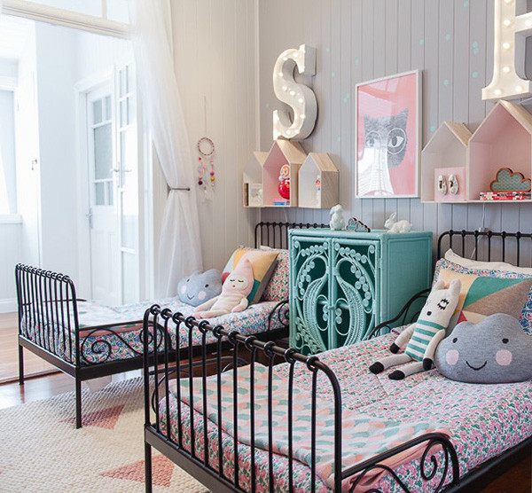 Shared-Room-Petite-Vintage-Interiors-1