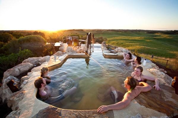 peninsula-hot-springs-3