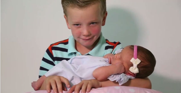 baby girl brothers5