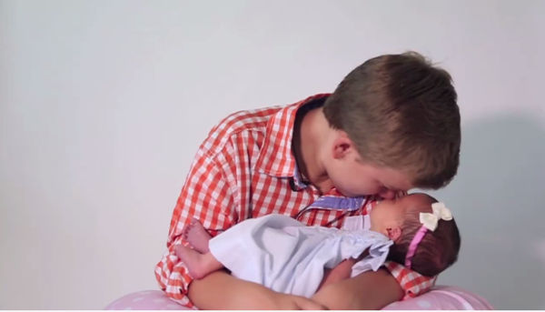 baby girl brothers7