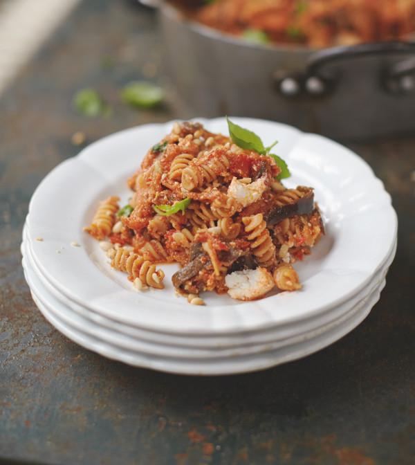let 39 s cook jamie oliver 39 s happiness pasta sweet tomato aubergine ricotta. Black Bedroom Furniture Sets. Home Design Ideas