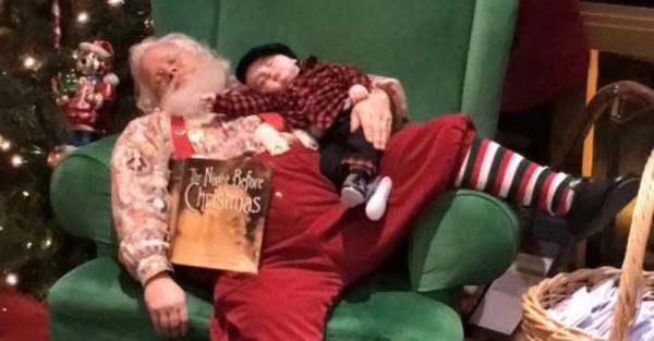 awkward santa photos