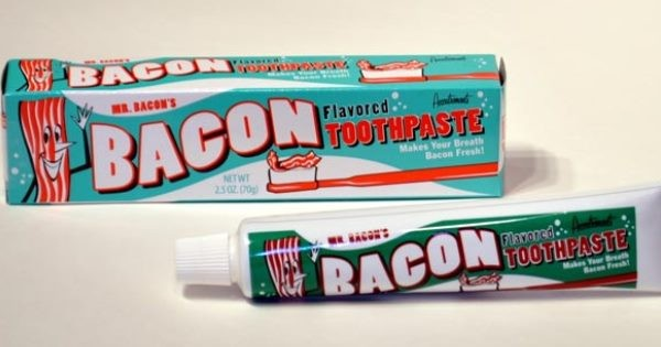 bacon-flavored-toothpaste