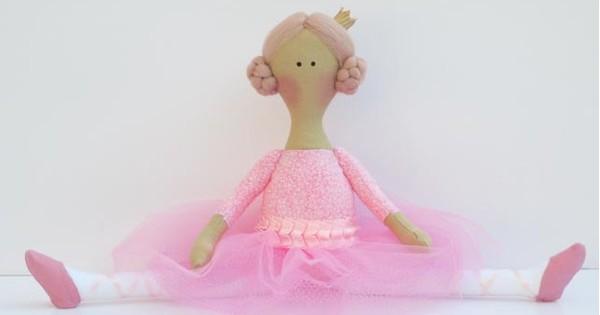 ballerina-fb