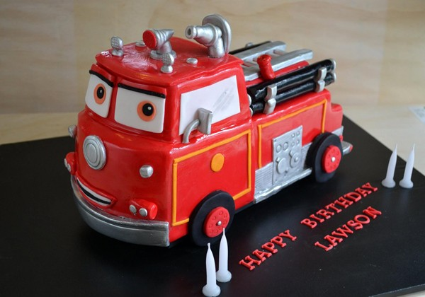 cake-angels-fire-truck