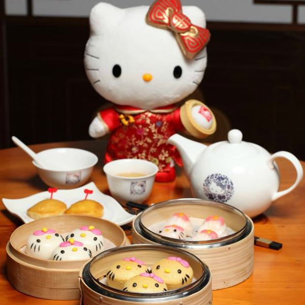 fried kitty anyone chinese restaurant dishes up only hello kitty shaped cuisine