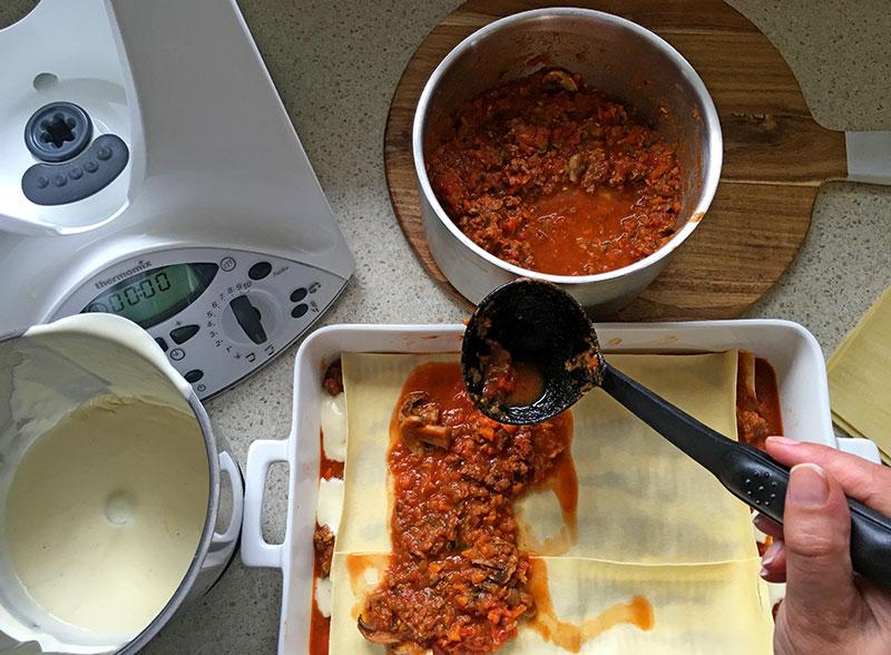 Lets-Cook-Lasagne-method-4