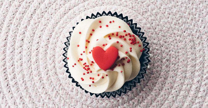 Lets-Cook-Vaelentine-cupcake-FB