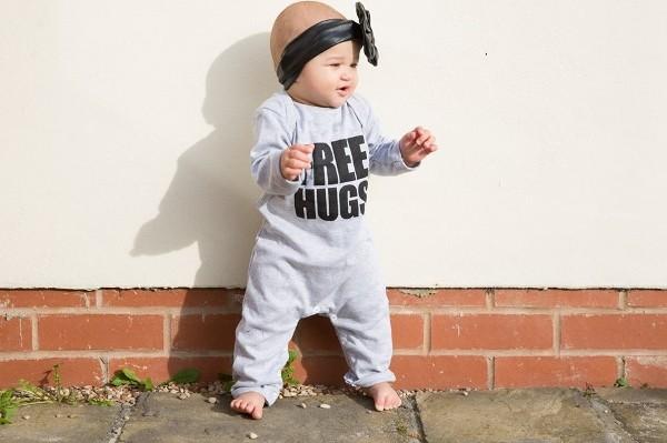 Free Hugs- Snuglo
