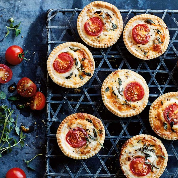 Annabel-Karmel-cheese-and-tomato-tarts