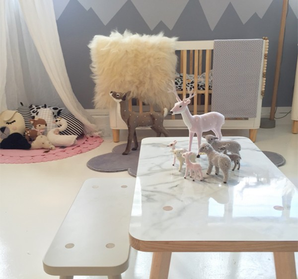 Mini Babanees table room