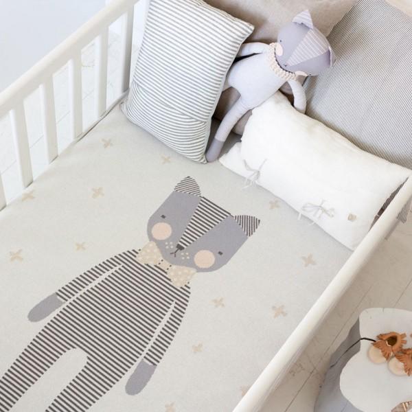 Jolie-Petite-Chose-Kitty-blanket