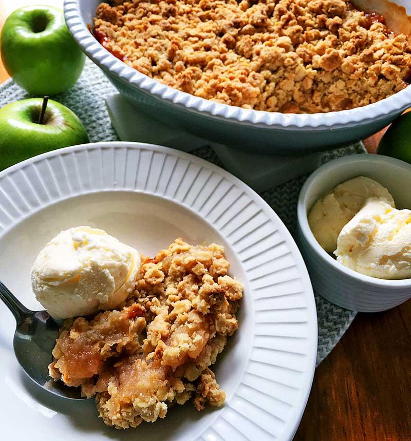 Lets-Cook-apple-crumble-serve