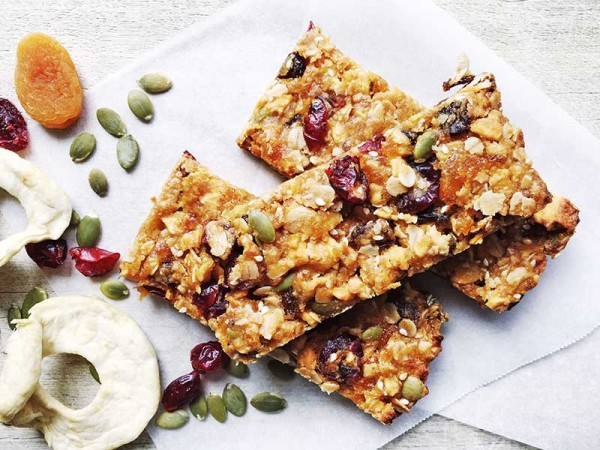 Lets-Cook-muesli-slice-final