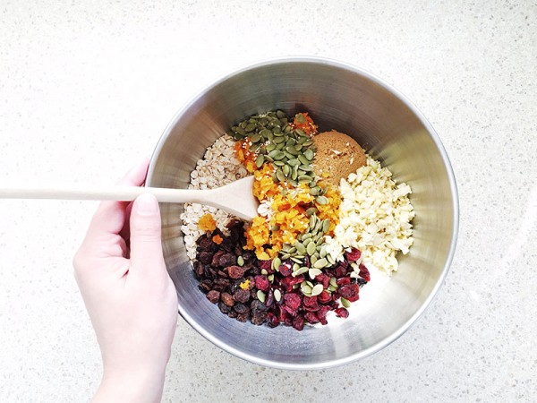 Lets-cook-muesli-slice-method-1
