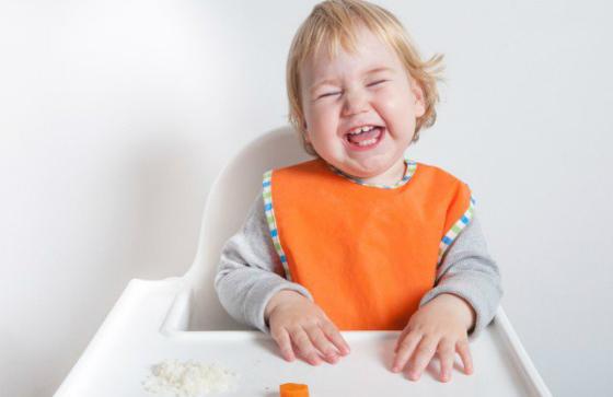 toddler-laughing-highchair-sl-newsl