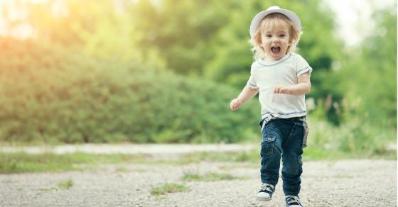 toddler running solus