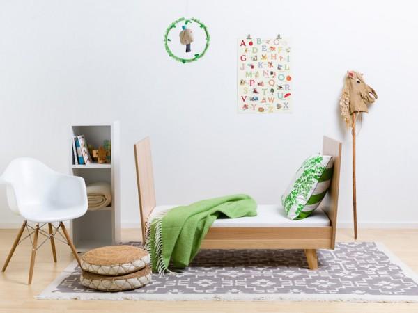 Fofum uno toddler bed