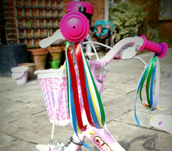 Sarah-Lovell-bike-and-scooter-ribbons-3