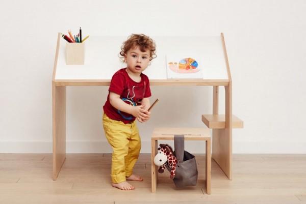 Kutikai Playhouse Desk